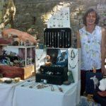 Markt in Viens Corinne Stelmack Sculpteur aus Saignon