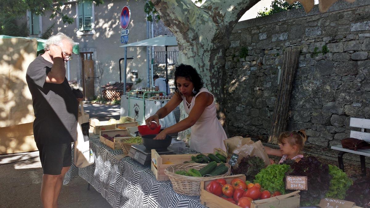 Markt in Viens, Gemüse / Légumes